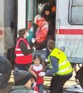 支援非政府組織在斯洛維尼亞和克羅埃西亞幫助難民