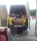 運送亟需物資到法國加萊幫助難民