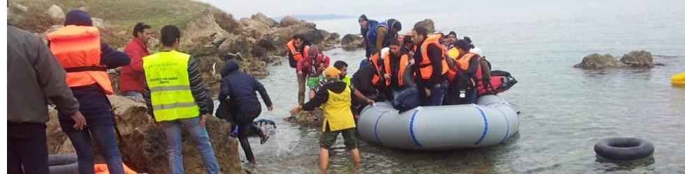 協助抵達希臘萊斯博斯島難民的後續旅程
